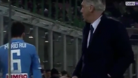 بالفيديو. نجم نابولي يرفض يحرج أنشيلوتي ويرفض مصافحته بعد تبديله