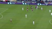 بالفيديو. لقطة شجار كوستا وكارفخال العنيف وطردهم من المباراة