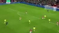 بالفيديو. هدف أوباميانغ أمام مانشستر يونايتد بعد الرجوع للفار