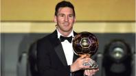 عاجل. ميسي يتوج رسميا بجائزة الكرة الذهبية