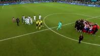 فيديو. لاعبو الريال يتهربون من تنفيذ أول ضربة جزاء في السوبر