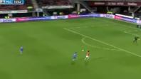بالفيديو. طريف.. جن في المرمى يمنع الكرة من دخول الشباك بغرابة
