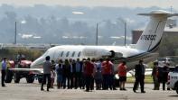 رونالدينيو يصل ريو دي جانيرو بعد مغادرة البارغواي عقب خمسة أشهر من اعتقاله