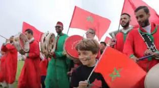"""بالفيديو. نجوم مغاربة يُهدون """"الأسود"""" ملحمة وطنية"""