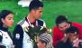 بالفيديو. رونالدو يضرب ابنه بلقب الدوري في لقطة طريفة